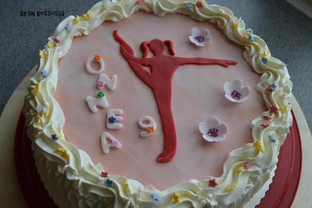 Kakku voimistelijalle