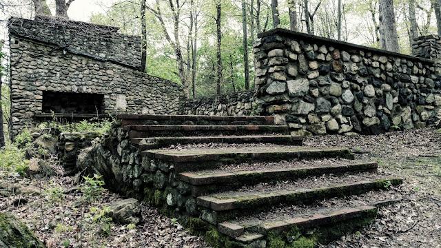 руїни дитячого табору Ваваянда, Парк Кіттатінні, Нью-Джерсі (Kittatinny Valley State Park, Newton, NJ)