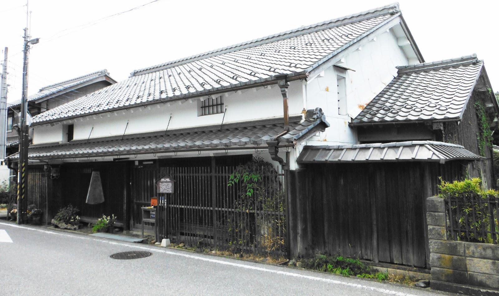 滋賀彦根新聞: 鳥居本の岩根家と足軽屋敷・善利組の村山家 ...