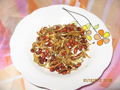 relakslah sekejap : cuit apa yang patut: masakan ringkas je, kacang tanah & bilis goreng - yummy