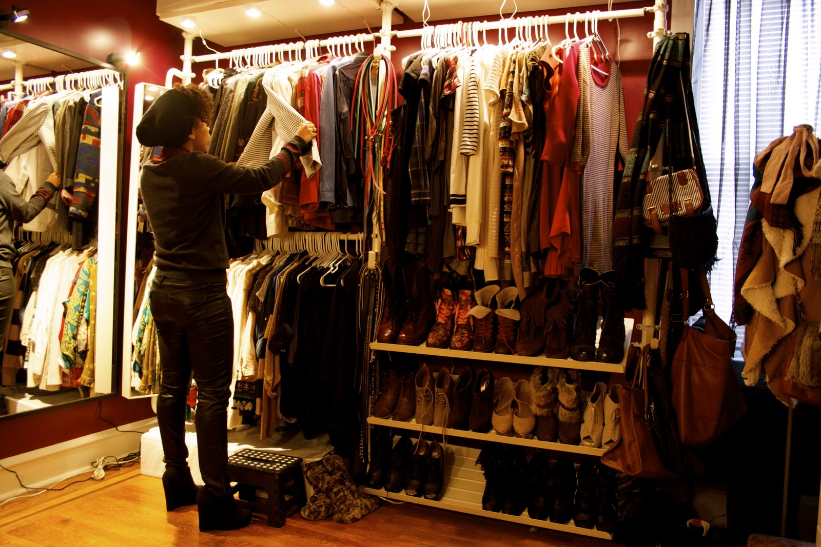 How to turn a room into a walk in closet home decorating - How to turn a bedroom into a closet ...