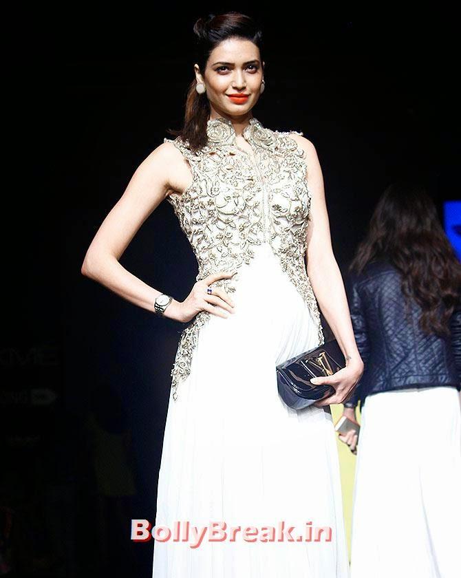Karishma Tanna, Lakme Fashion Week 2014 Finale Pics