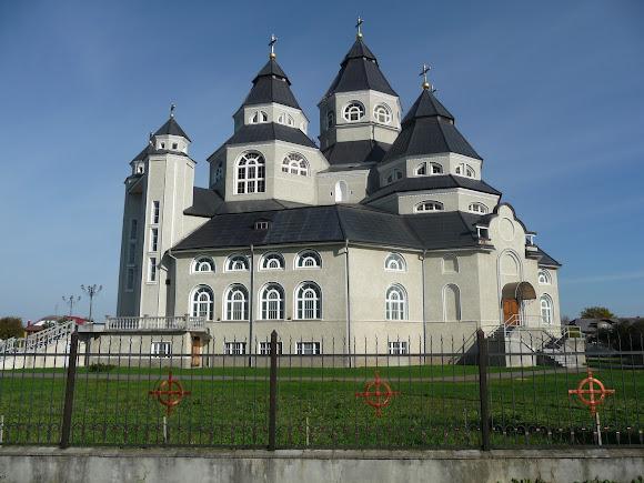 Стрый. Церковь Петра и Павла. 2006 год