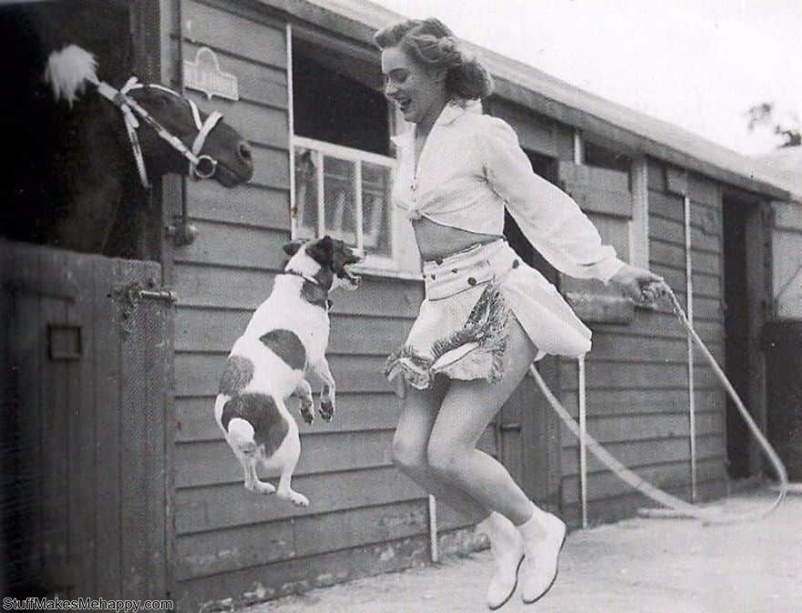Vintage Photos Showing A Special Connection Between Humans and Animals Has Always Been Graceful