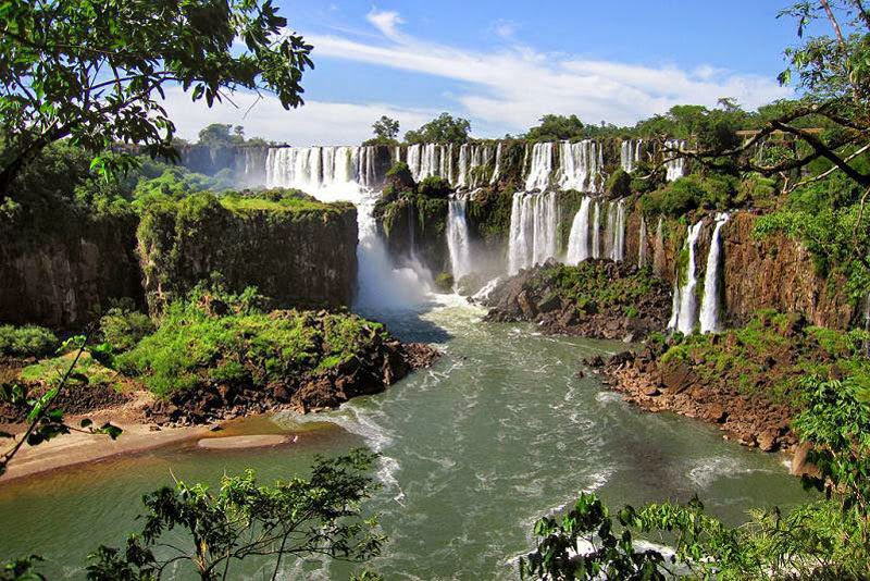 5. Iguazú Falls, Argentina & Brazil - 7 Waterfalls That Will Take Your Breath Away