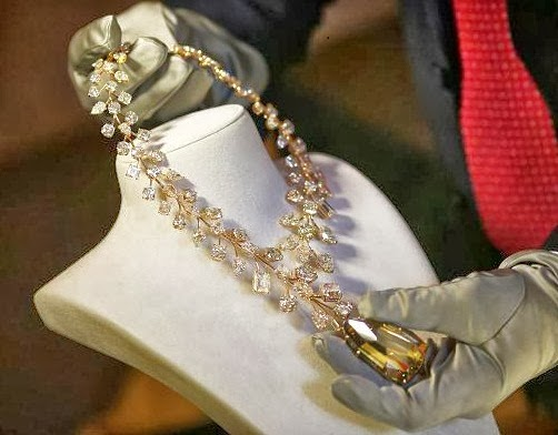 Top 10 Most Expensive Jewelry in the World | World Most |Worlds Most Expensive Diamond Necklace