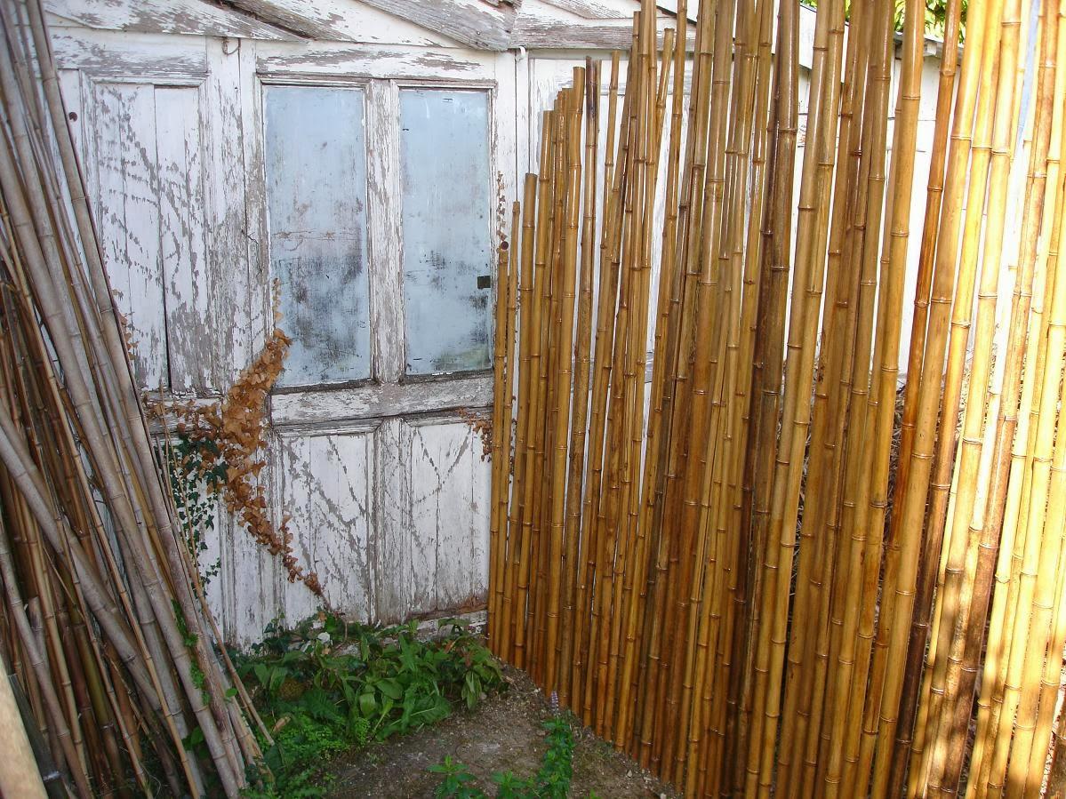notre aventure construction d 39 une palissade en bambous pour cacher le compost de d chets v g taux. Black Bedroom Furniture Sets. Home Design Ideas