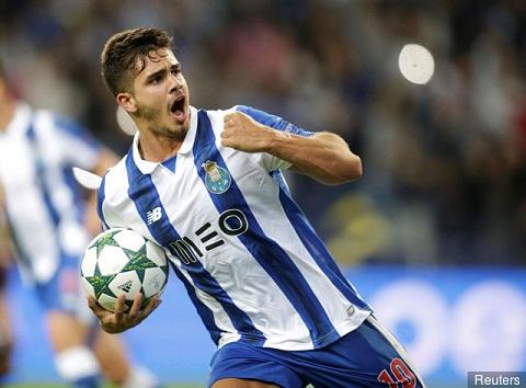 """Andre Silva (trong màu áo Porto) được ví như """"Pauleta"""" với khả năng săn bàn điều luyện."""