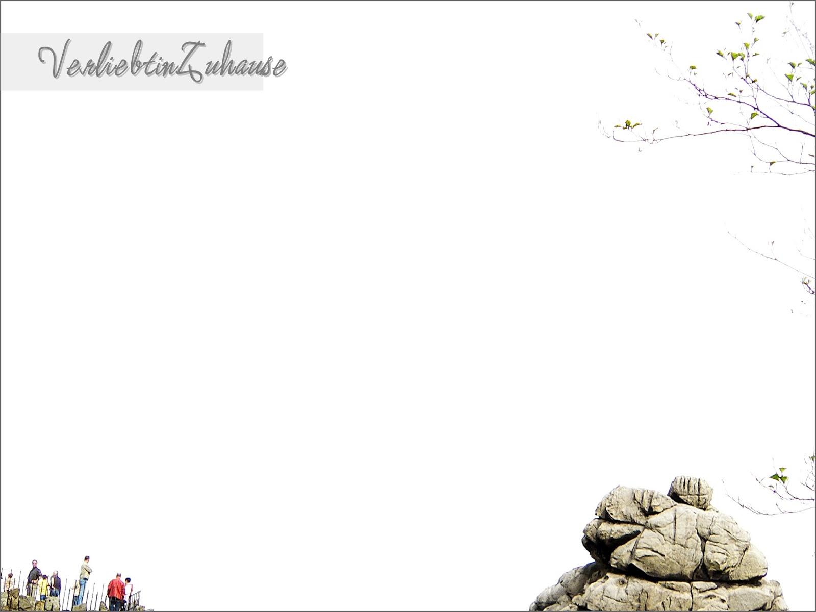 Externsteinen: Himmel ist überstraht. Foto nach Bildkorrektur.