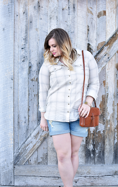 fat face washed in happiness button down shirt denim shorts summer style madewell crossbody bag toms burlap shoes curled ombre hair gorjana neckalce bourbon and boweties bracelets