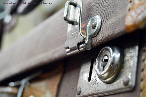 Detalle de una maleta vintage