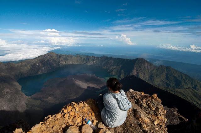 Kosakata Nama-nama Alat Untuk Mendaki Gunung Dalam Bahasa Inggris