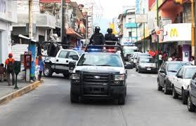 Una mujer con cuchillo roba taxi en el centro de Coatepec