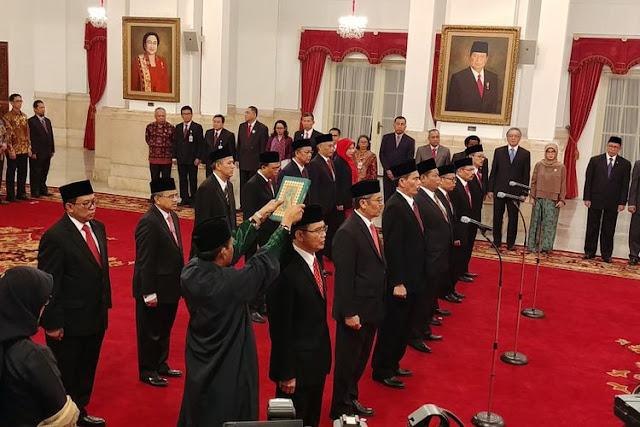 Jokowi Lantik 14 Pengawas dan Pengelola Keuangan Haji, Ini Nama-Namanya