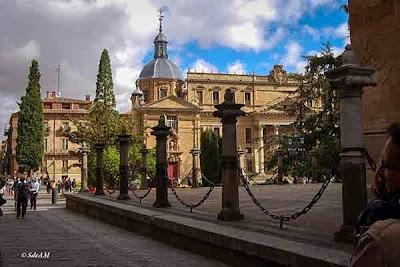 Plaza de Anaya desde los alrededores de la Catedral Nueva