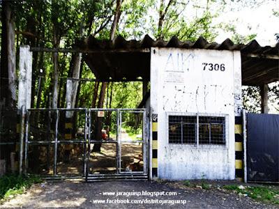 Portão de entrada da Bombril S/A