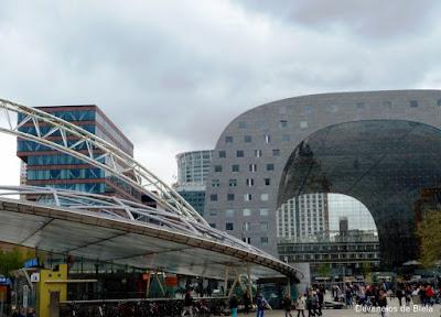 Dicas de roteiro por Rotterdam - Markthal e Blaak