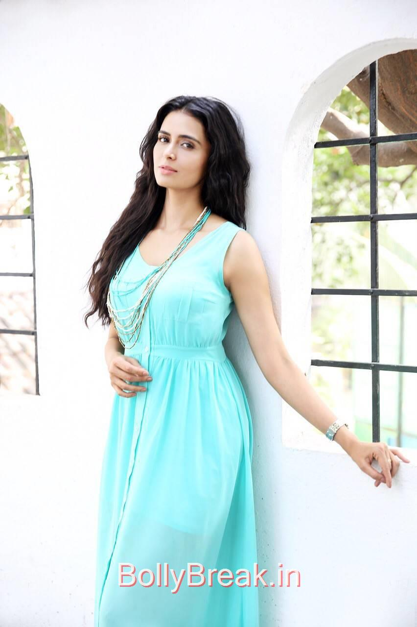 Tollywood Actress Meenakshi Dixit, Meenakshi Dixit Hot HD Pics From Latest  Photoshoot