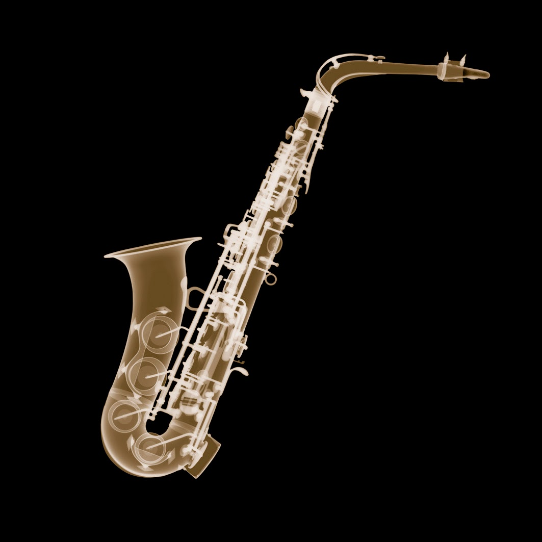 11-Saxophone-Nick-Veasey-X-ray-Images-Mechanical-Musical-www-designstack-co