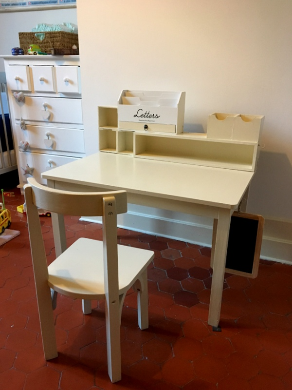 une chambre moi DIY fabrication dun petit bureau maternelle