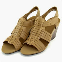Sandale Clarks Popple Tango bej, din piele naturala, cu toc de 7.5 cm (Clarks)