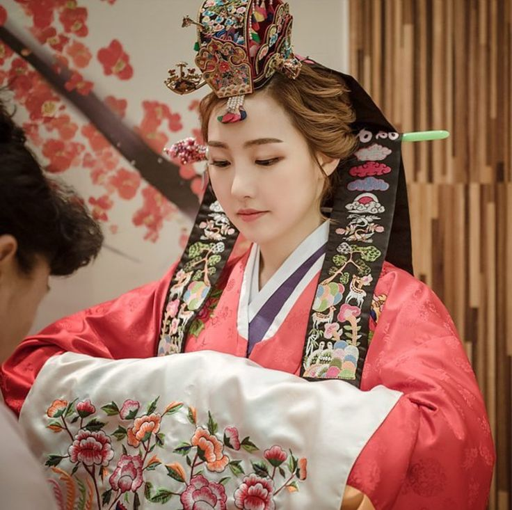 traditional korean hanbok clothes older bands ritual perhaps derived sleeves arms wide were custom folkcostume outfits