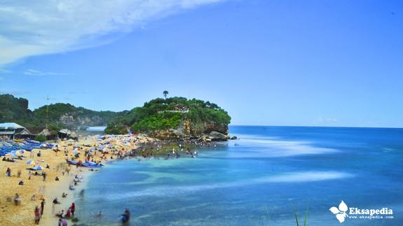 Pantai Drini Dari Pantai Watu Kodok