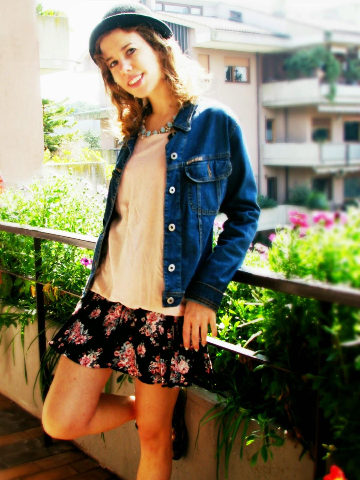 http://s-fashion-avenue.blogspot.it/2015/04/ootd-denim-floral.html
