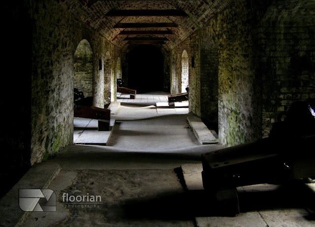 """Dover Castle - średniowieczny zamek określany jako """"Wrota do Anglii"""". Największa atrakcja turystyczna Dover."""
