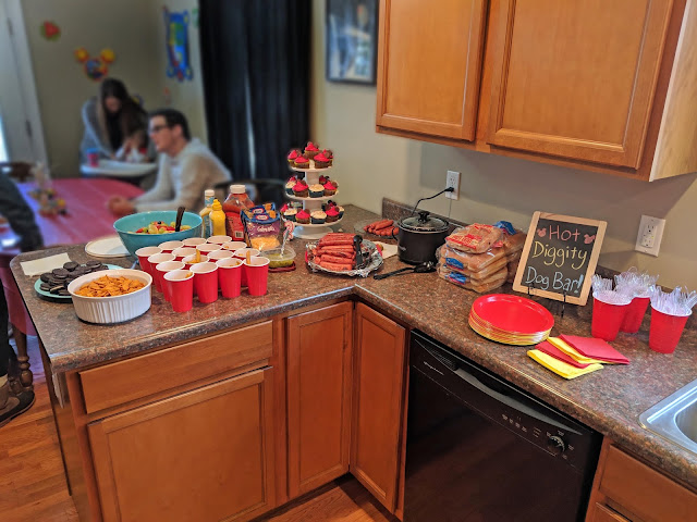 mickey party, DIY mickey mouse party, mickey clubhouse birthday party, hot dog bar, birthday party food ideas, fries in a cup, birthday party food