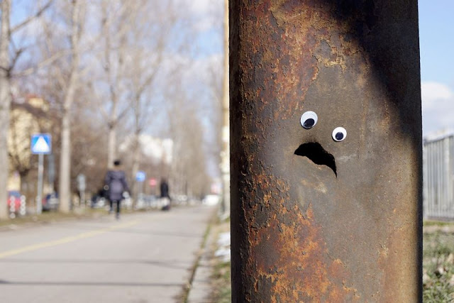 Eyebombing, stick googly eyes on things. Vanyu Krastev, a Bulgarians street artist  3