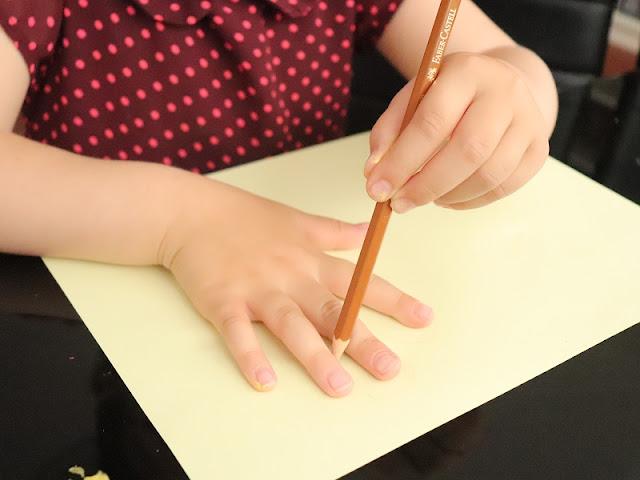 dessin-contour-main-enfant