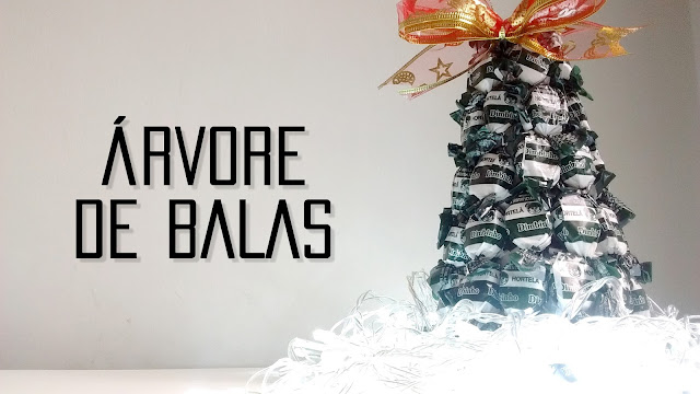 Árvore de Natal feita de balas