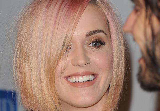 Maquiagem de festa Katy Perry loira