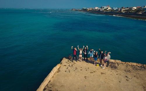 Team chụp ảnh ở Cảng Lý Sơn