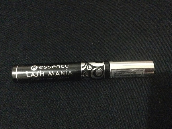 PRODUCT HYPE: Essence Lash Mania Ultra Volume Mascara