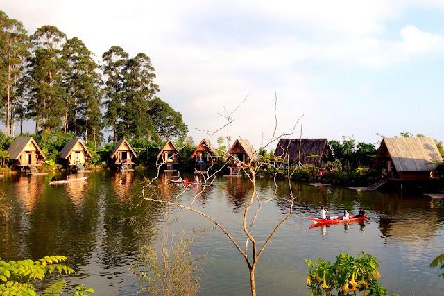 Destinasi paket wisata bandung dusun bambu