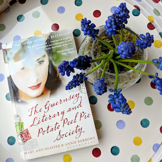 Book Review Guernsey Literary Potato Peel Pie Society