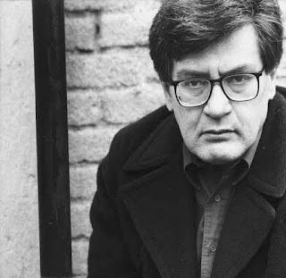 Enrique Lihn: Menosprecio y alabanza de la poesía [por José Emilio Pacheco]