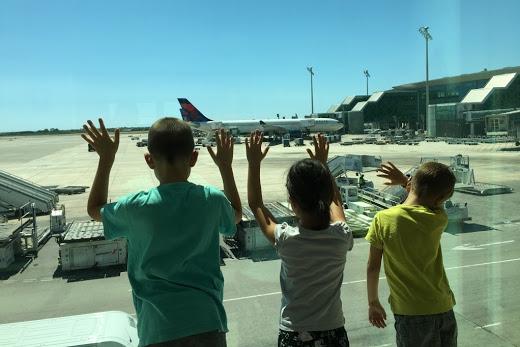 familia aeropuerto