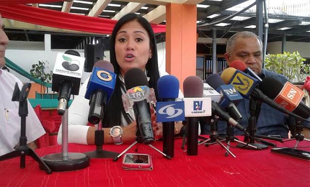 """Laidy Gómez: """"En vez de cerrar la frontera roten a los funcionarios que permiten el contrabando"""""""