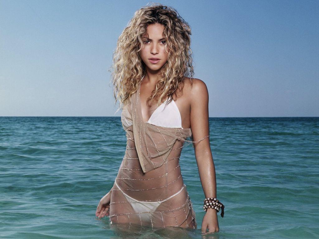 Shakira-Hot Bikini Wallpaper HQ