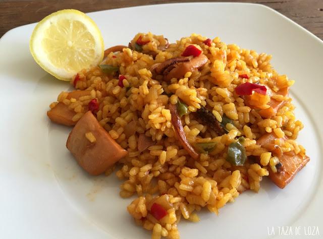 arroz-con-calamares-en-plato