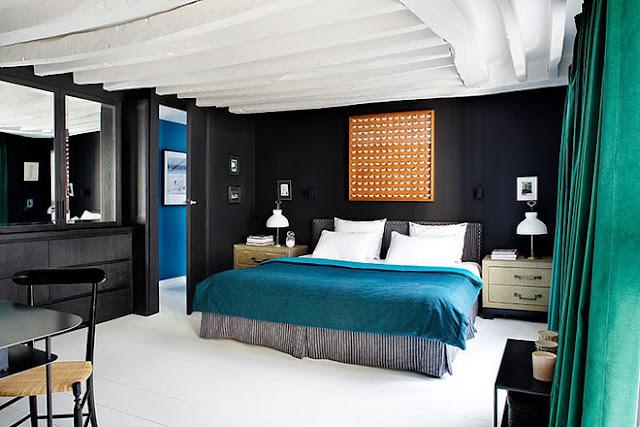 Chambre murs noirs design