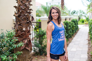 fit mom, photo shoot, beach, palm tree, bikini competitor, fitness, coach, ashley roberts