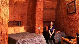 Η υπόγεια πόλη στην Αυστραλία όπου η ζωή συνεχίζεται κανονικά για 2.000 κατοίκους