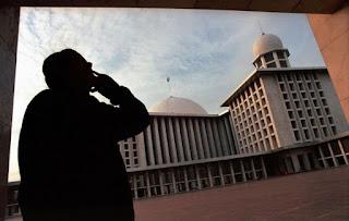 Bagaimana aturan menggunakan pengeras suara di masjid?