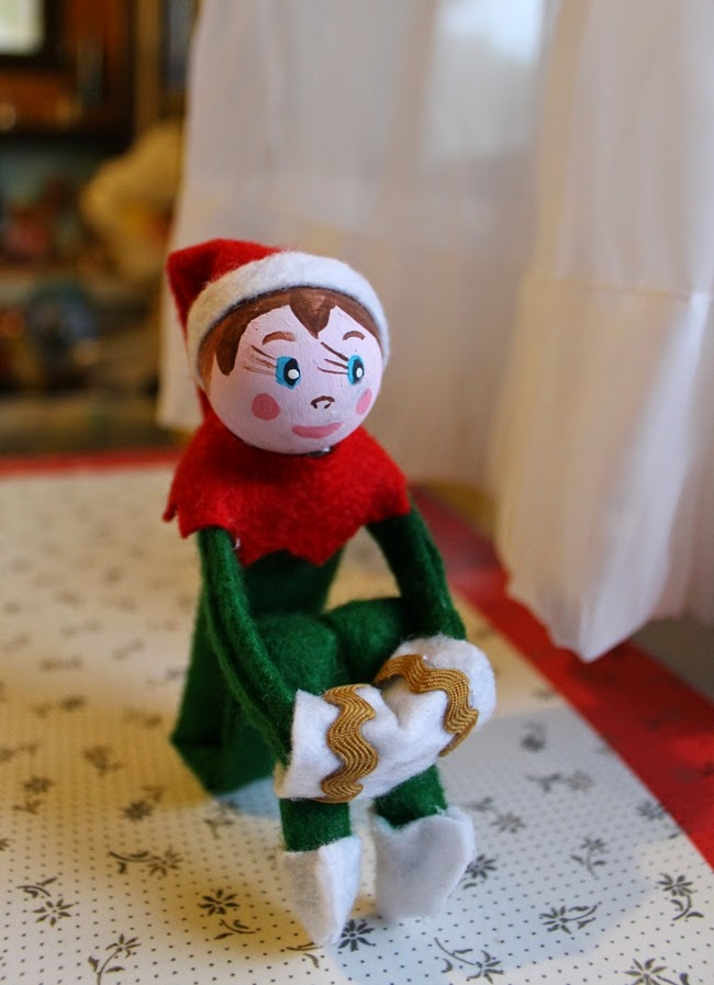 DIY no sew retro elf on a shelf free tutorial and pattern