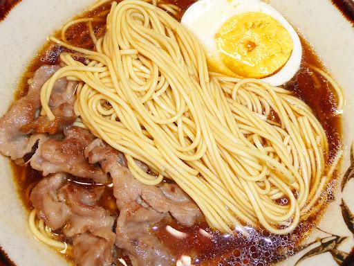 【五木食品】からだにシフト 糖質コントロール 麺の糖質35%off こってりしょうゆラーメン 豚の背脂入りスープ付がなかなか旨い!