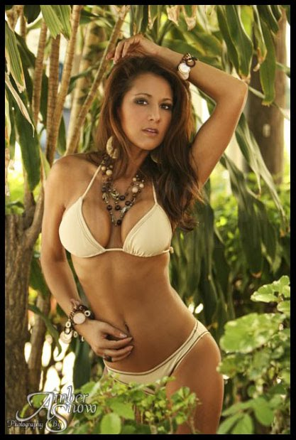 Bikini O Bikini: Photograph Martha At Finca Bella Vista
